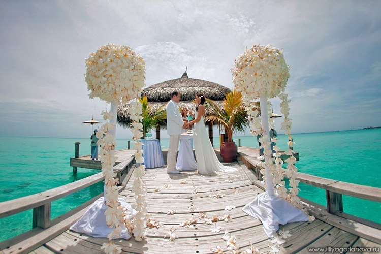 Выездные свадебные фотосессии за границей.