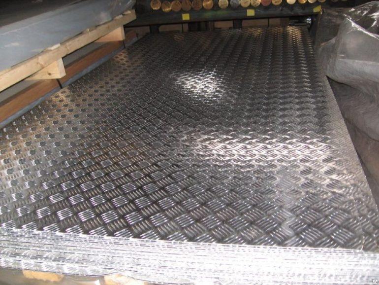 Отличный декор для любой поверхности   рифленый алюминиевый лист в Москве