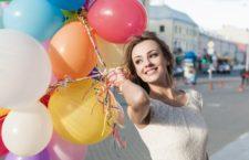 Как украсить воздушными шарами мероприятие приуроченное к 8 марта, последнему звонку, Масленице и другим праздникам