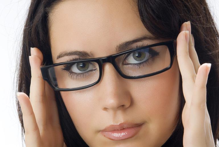 Где приобретать правильные линзы в очках?